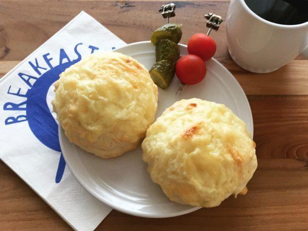 朝から焼きたて!ぐるっと混ぜるだけで簡単「チーズプチパン」 byヤミー(清水美紀)さん