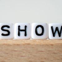 英語「show up」の意味って?