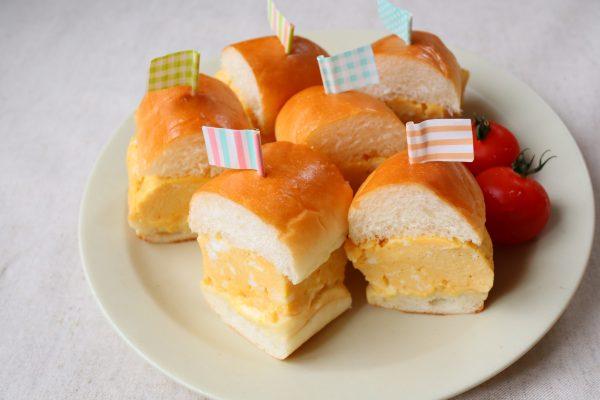 フライパンを使わずレンジで簡単!「厚焼きたまごのミニバーガー」