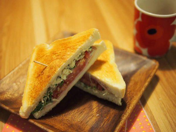 【レシピ】朝ごはんにおすすめ!栄養満点のブロッコリースプラウトサンドイッチ! by料理のおねえさん(えみり)&おにいさんさん