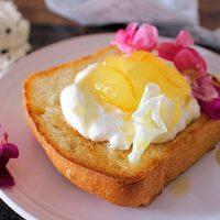 蒸し暑い朝に!簡単さわやか「ヨーグルトトースト」レシピ♪