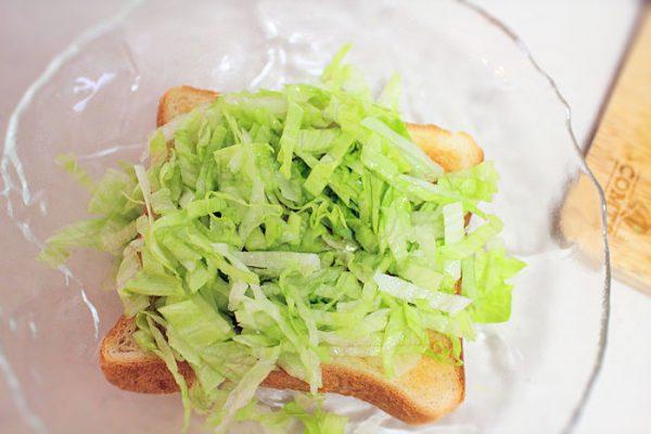 レタスと食パン