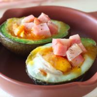 簡単、おしゃれ、おいしい!料理家さん直伝「丸ごとアボカド」レシピ3選