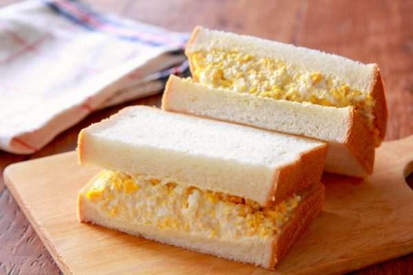 レンジで簡単!作り置きOKの「みそタルタル」で絶品卵サンド