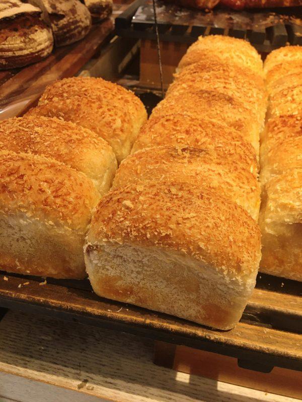 東京駅のエキナカ人気商業施設『パン売上個数ランキング』でグランスタ部門上位3位を独占