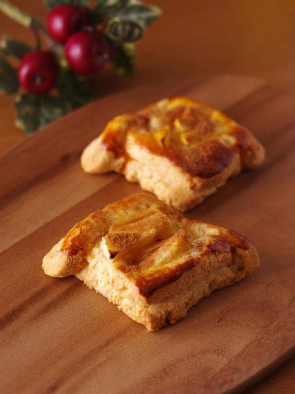 ホットケーキミックスで超簡単☆りんごのデニッシュパン byめろんぱんママさん