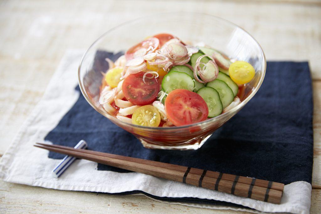 火を使わず時短でラクラク!トマトジュースでつくる「冷製トマトうどん」