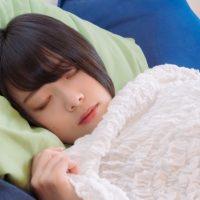 """""""寝る子は育つ""""と同じ!美肌に「睡眠」が欠かせない理由って?"""