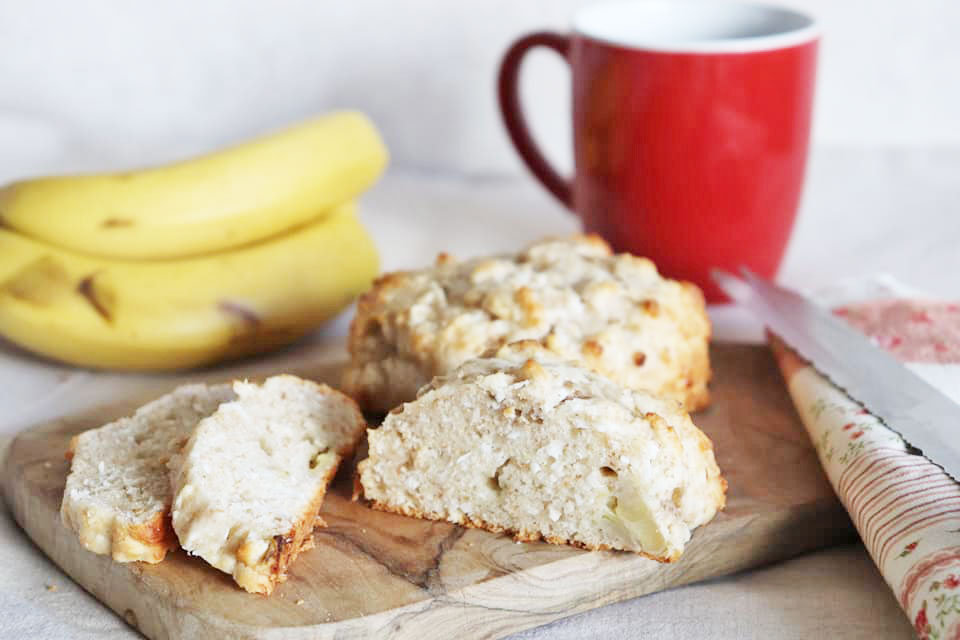 オーブンまでたったの10分!混ぜるだけ簡単「バナナ&ココナッツのクイックブレッド」