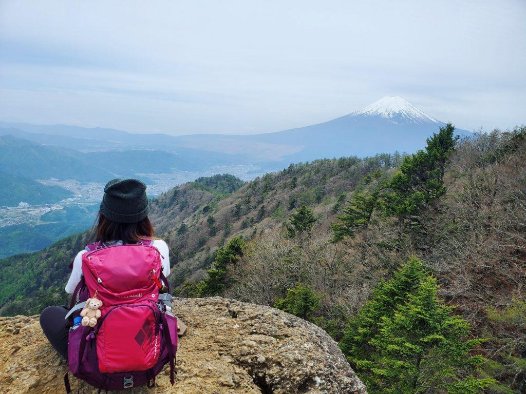 山の上で瞑想