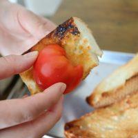 最上級の簡単さ!?スペインのトースト「パンコントマテ」とトマト副菜レシピ