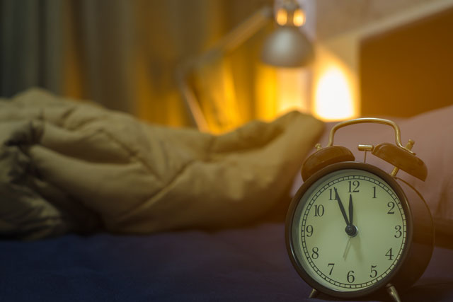深夜の寝室