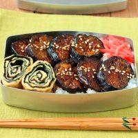 夏のお手軽のっけ弁当!「茄子の照り焼き丼」「マヨ風味のくるくる海苔巻き卵」2品弁当