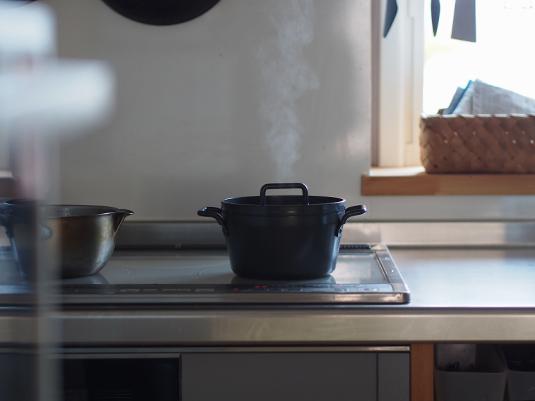 鉄の小さなごはん鍋