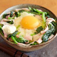 チャーハンも牛丼もまかせて!簡単「レンジご飯」レシピ3選