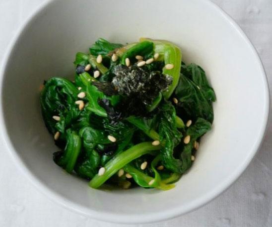 お弁当のあと一品にも♪ちょっと大人な「ほうれん草ののり和え」  by料理家 村山瑛子さん