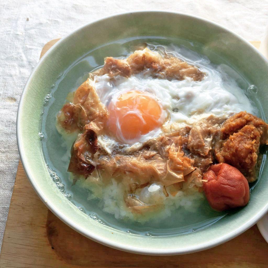 熱湯かけるだけの即席朝ごはん♪卵入り「かちゅー湯ごはん」 by 料理研究家 ヤミー(清水美紀)さん