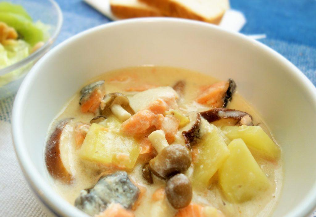 レンジで時短!味つけも簡単な「キノコと鮭の和風シチュー」 by野菜ソムリエ 柳沢 紀子さん