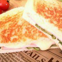 フライパンやトースターで簡単♪具だくさん「ホットサンド」レシピ5選
